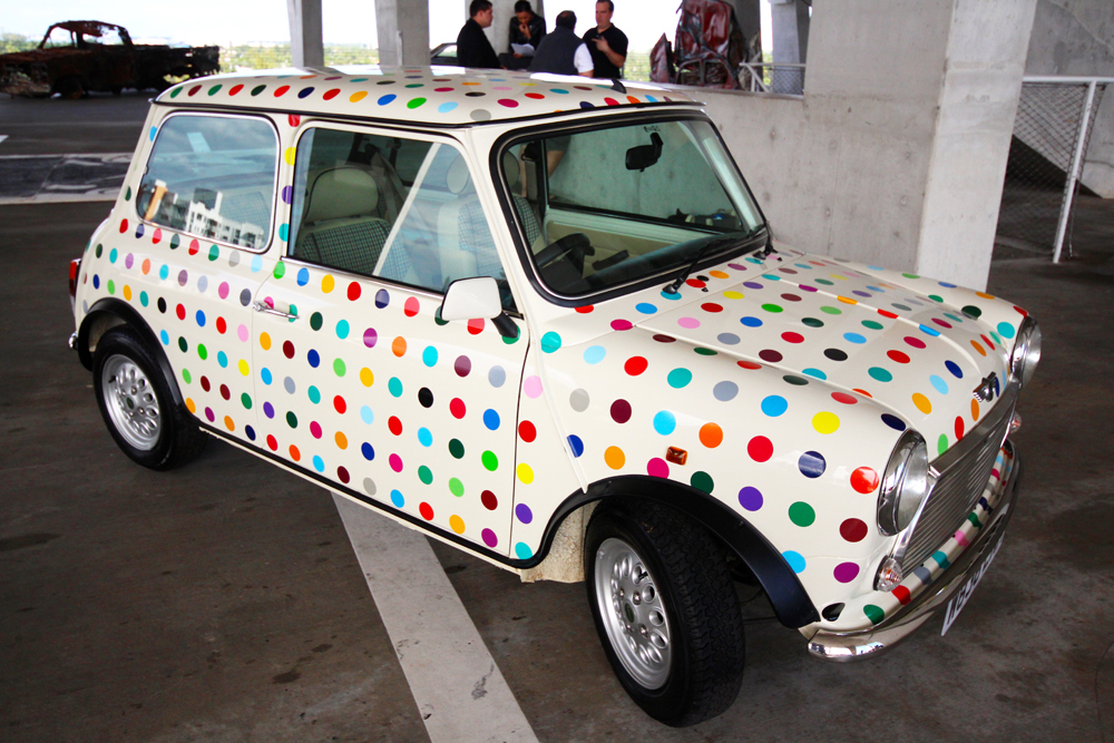 Damien Hirst , 2000  Untitled (Spot Mini)